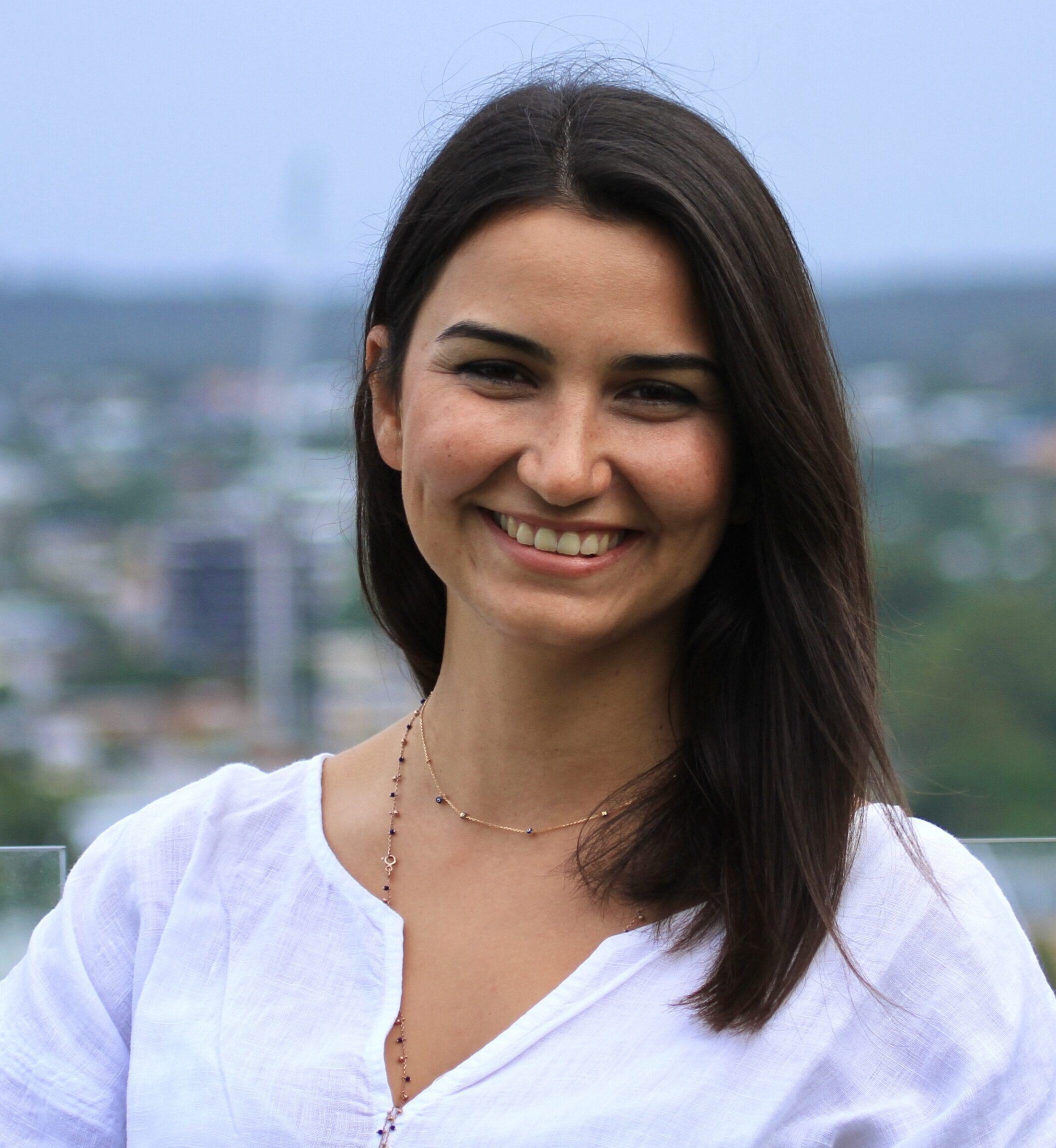Dr Charla Sanri